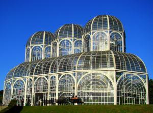 O Jardim Bot�nico � um dos pontos tur�sticos mais visitados de Curitiba.