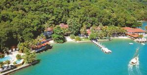 Vista a�rea do Hotel Pierre, na Ilha de Itacuru��. Destino obrigat�rio para quem est� no Rio.