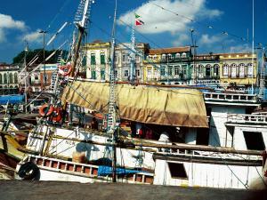 http://turismo.ig.com.br/imagens/32/32/32/4433381.belem___centro_historico_turismo_225_300.jpg
