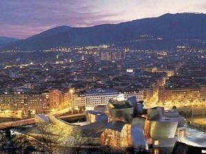 Vista a�rea de Bilbao ao anoitecer.