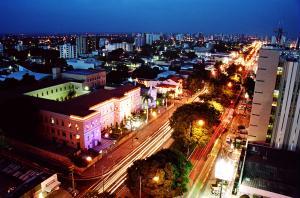 Teresina, capital do Piau�, � a �nica capital do Nordeste sem praia.