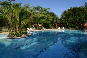 Localizado em Ubatuba, o Itamambuca Eco Resort fica na praia mais badalada da regi�o, mas esbanja...